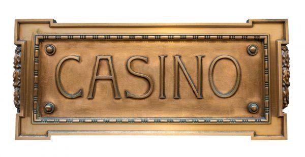 Talon seinään kiinnitettävä casino kyltti
